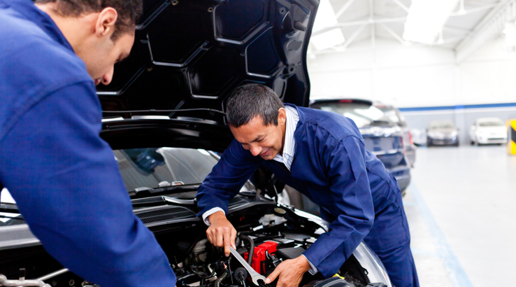 Benefits of A Factory Service Manual Over a Commercial Car Repair Manual